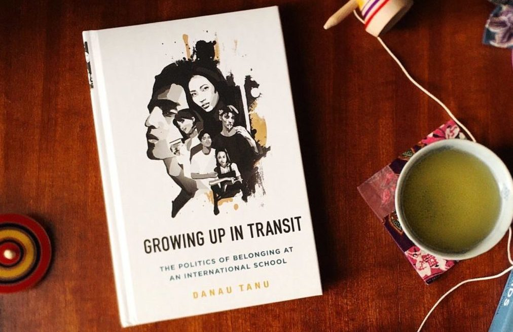 Growing Up in Transit next to Third Culture Kids: Growing Up Among Worlds